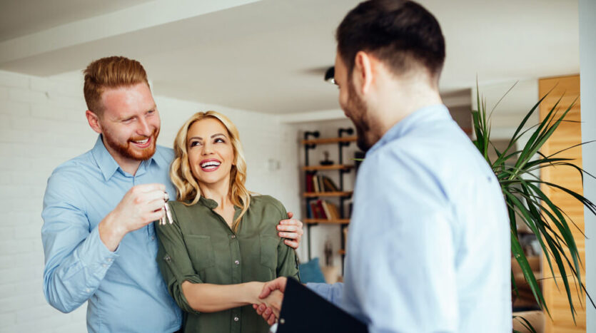 When Should a Landlord Hire a Property Manager
