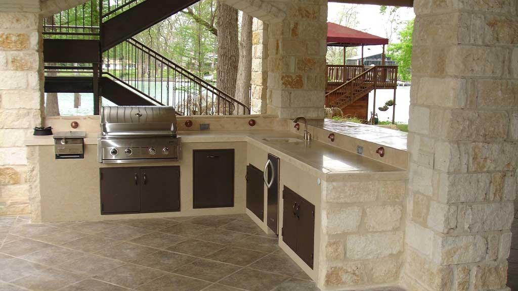 6 Outdoor Kitchen