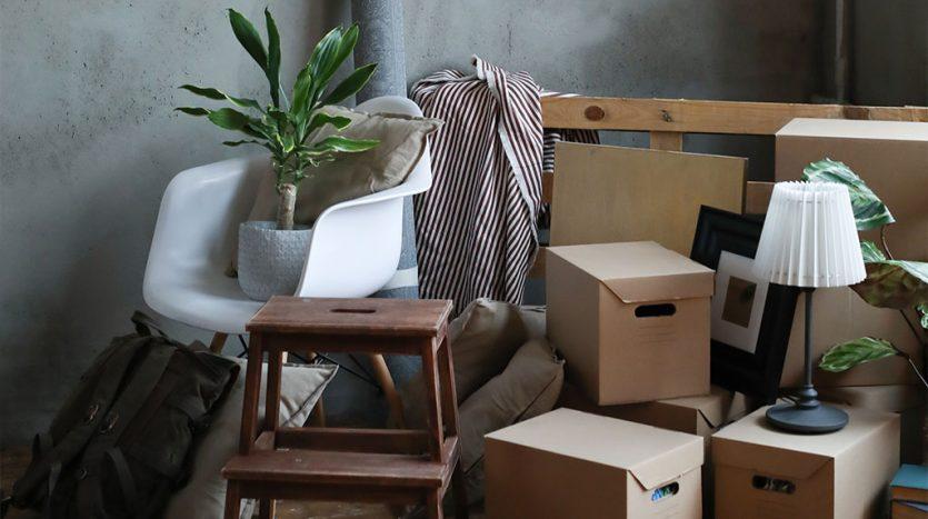 Remove the tenant's belongings