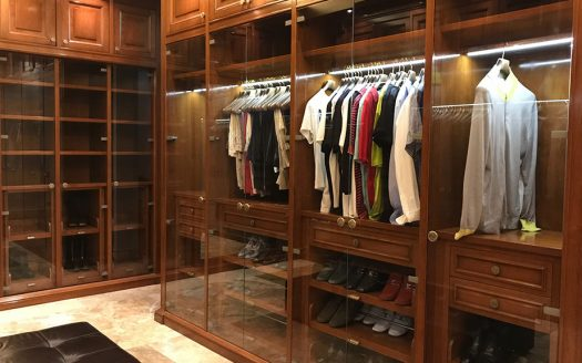 How to Make the Most of Your Tiny Closet: Tips to Maximize Closet Space