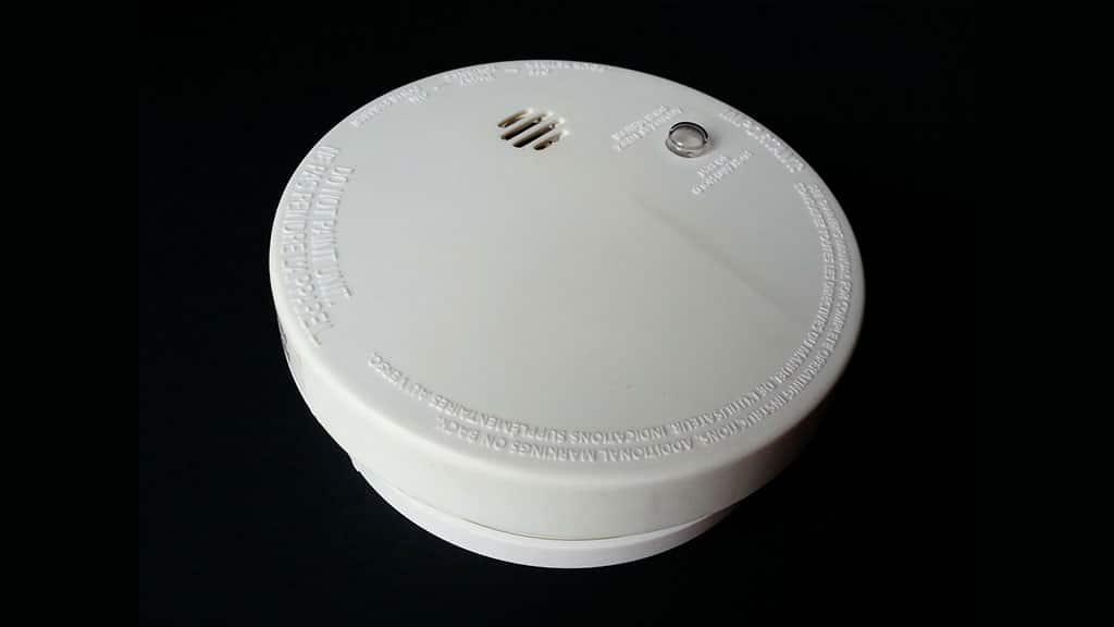 Smart smoke and carbon dioxide detectors