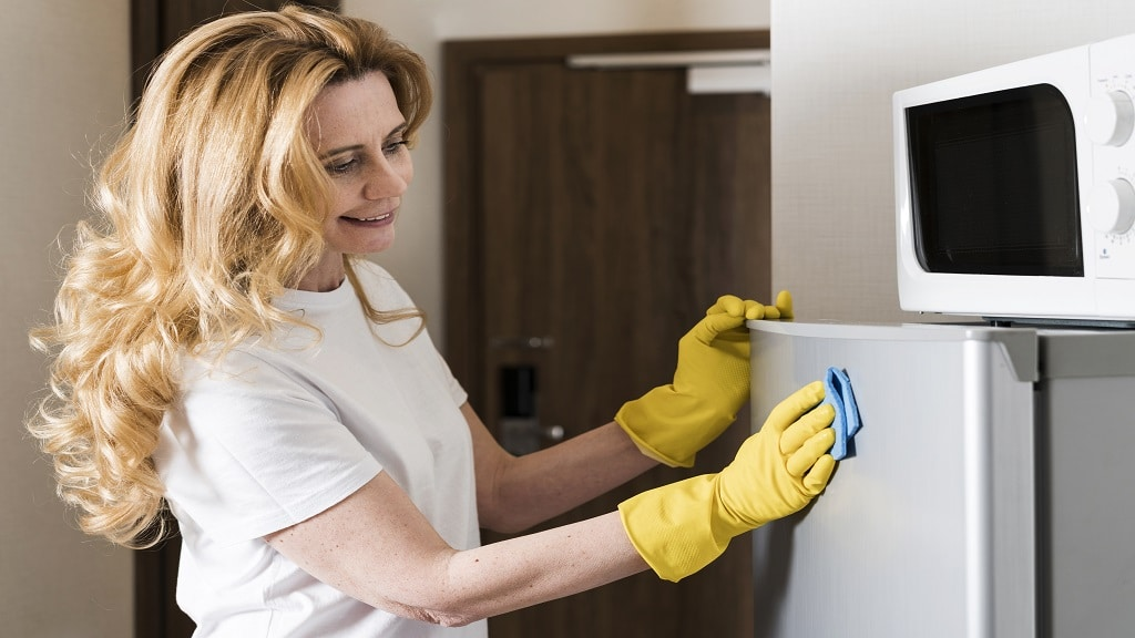 Give the Fridge and Oven a Deep Clean