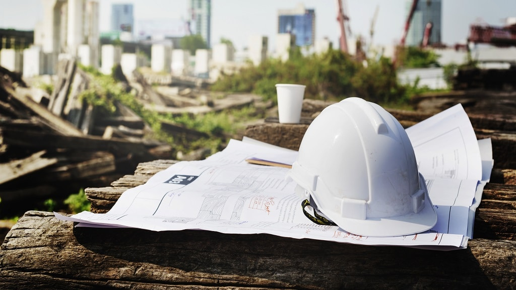 What are the benefits of building on land?
