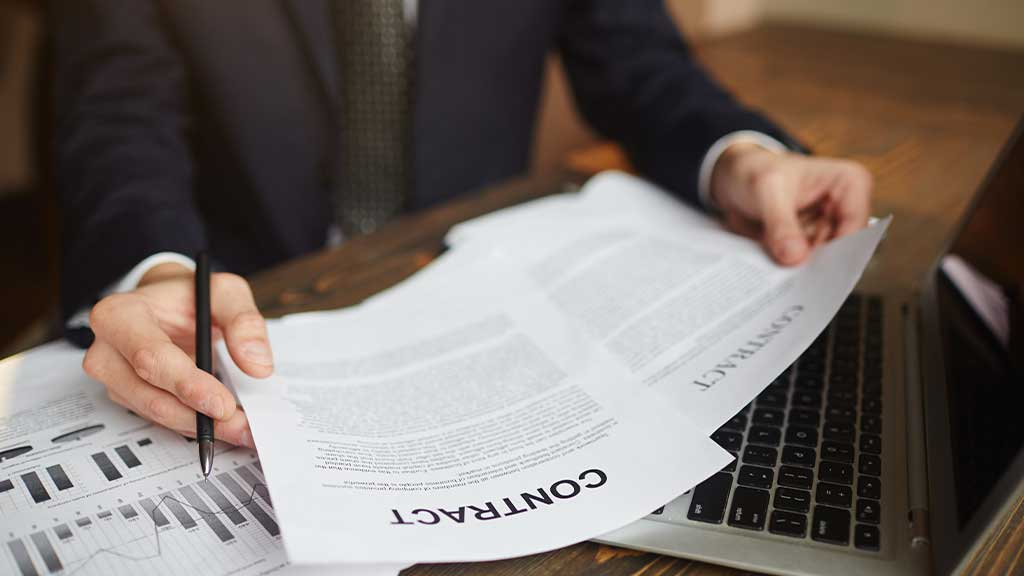 What should you include in the HOA attorney contract